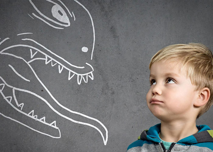 Gli amici possono influenzare le paure e l'ansia dei bambini